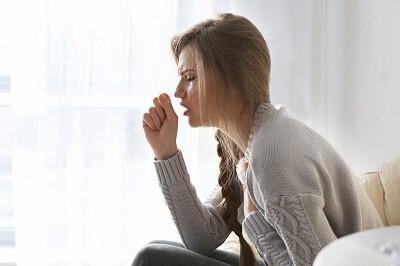 Причины возникновения пневмонии при соматических и нервных расстройствах: астме, менингите и других болезнях