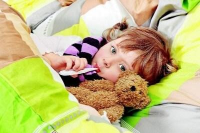 Возможно ли при пневмонии у детей лечение в домашних условиях? Какие есть народные средства?