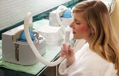 Использование ингаляций при пневмонии: преимущества терапии и методика проведения
