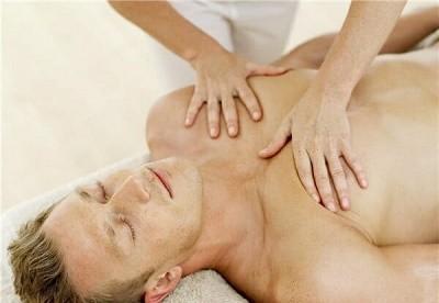 Методики проведения массажа при пневмонии: как ускорить восстановление легких?