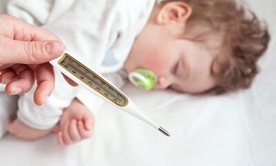 Учимся распознавать симптомы и признаки бронхита у ребенка: на что обратить внимание в первую очередь?
