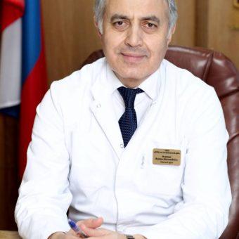 Исмаил Магомедович Османов – Главный врач, доктор медицинских наук, профессор, главный детский нефролог Департамента здравоохранения г. Москвы,  стаж 38 лет
