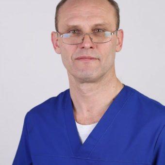 Наумов Олег Геннадиевич – кандидат медицинских наук, заведующий учебной частью, 2 категория, стаж 28 лет