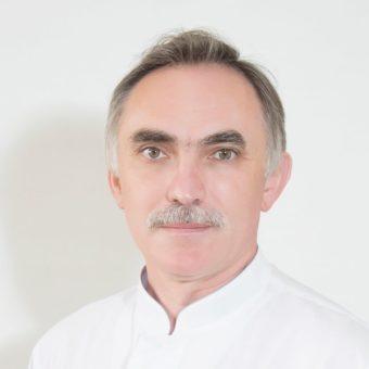 Радченко Юрий Анатольевич – заведующий отделением, врач – торакальный хирург, высшая категория, стаж 39 лет